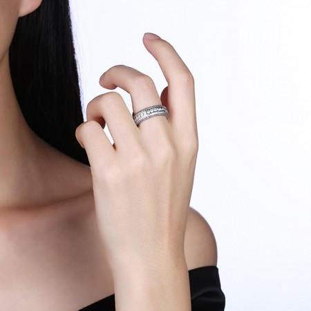 Sølv ring med flere rækker zirconia