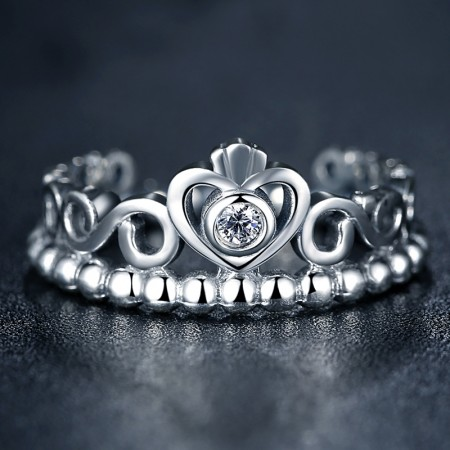 Sølv ring med krone, hjerte og zirconia stene