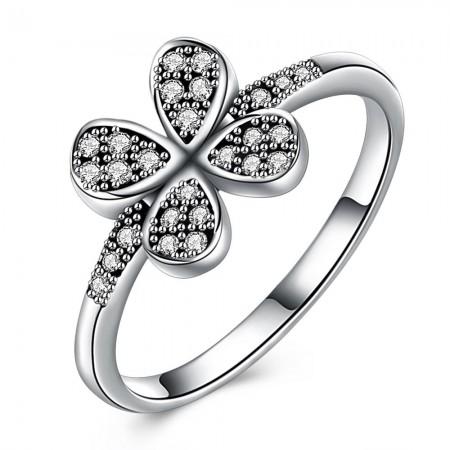 Sølv ring med firkløver med stene.