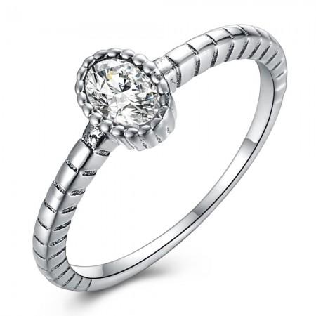 Sølv ring med oval sten