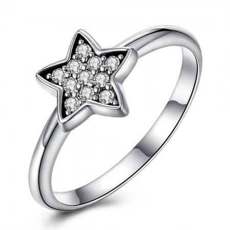Sølv ring med med stjerne med zirconia stene.