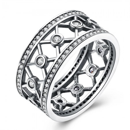 Bred sølv ring med krydsmønster