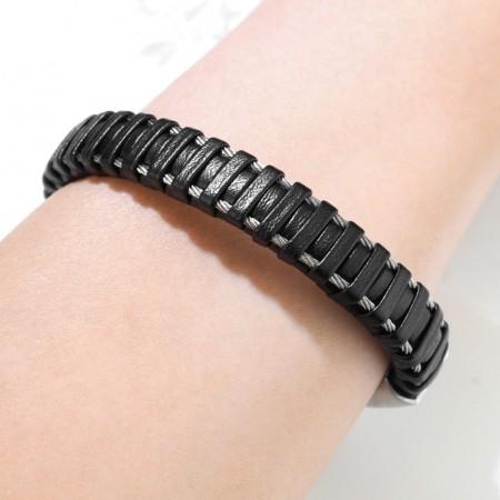 Herrearmbånd i sort læder med stål 21,5 cm