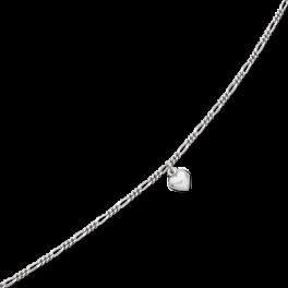 Ankelkæde i figarokæde med hjerte charm i midten. Udført i rhodineret sterling sølv.