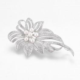 Broche, blomst med zirconia og perler