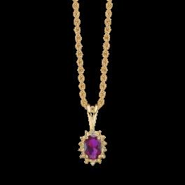 14 kt. guld halskæde oval rubin og brillanter. Mål: 9,23 x 6,87 mm. Brillant ialt 0,007 ct. w/pk1. Kæden er sølvforgyldt i længde 42-45 cm. Dette fåes også som smykkesæt (Halskæde, ørestikker & ring)