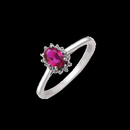 14 kt. hvidguld ring oval rubin og 2 brillanter. Mål: 8,03 x 6,19 mm. Brillant ialt 0,007 ct. w/pk1.  (Dette smykke kan købes som sæt)