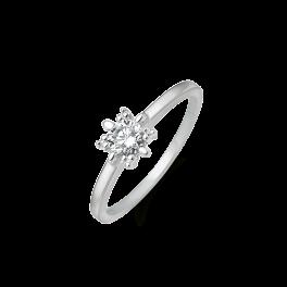 8 kt. hvidguld ring 4,5 mm syntetisk cubic zirconia i grabber og pynt