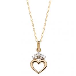 Disney Princess 9 kt. guld halskæde med krone og hjerte. Kæden er sølvforgyldt i længde 38 cm Denne smukke og elegante halskæde i 9 karat guld er til den lille prinsesse, skal hun forkæles endnu mere kan man også få ørestikker der passer til.
