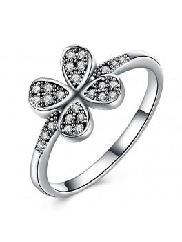 Sølv ring med firkløver med zirconia stene